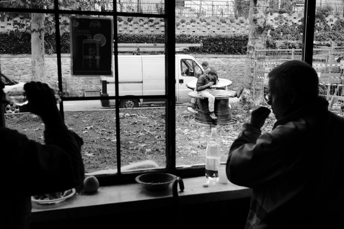 """Some workers at lunchtime. Castelsantangelo sul Nera, Italy 2016. © Matteo Bastianelli for """"La Stampa"""""""